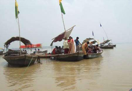 アラハバード:三河合流地点にて沐浴